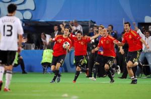 Чемпионат по футболу Евро -2008 между командами Германии и Испании
