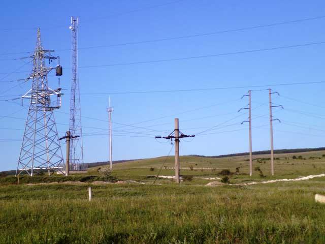 Великаны несущие энергию повсюду в Малиновке