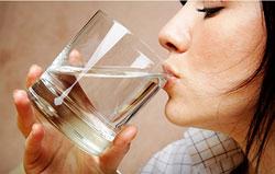 Двигаться. Пить воду в достататочных колличествах