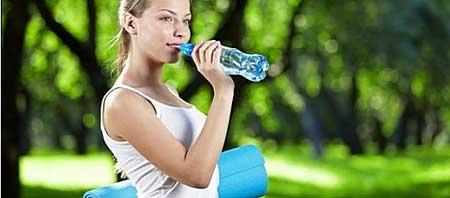 Пить воду во время физических нагрузок